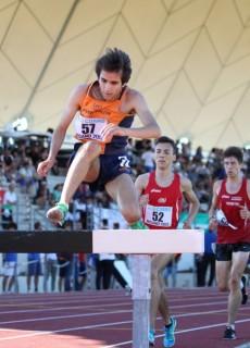 Alessio Morini in azione sulle siepi