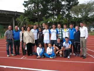 Foto di gruppo Team Italia, Università di San Paolo e Confederazione Brasiliana Atletica