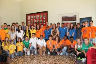 Evento AV Assosport, foto celebrativa atleti e autorità