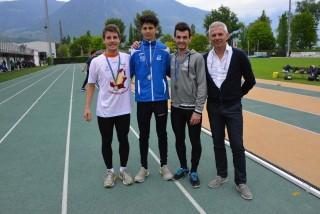 Sulla sinistra Luca Cocco, campione regionale a Lana