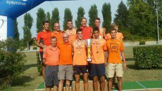 La squadra allievi, tricolore 2016, con i tecnici